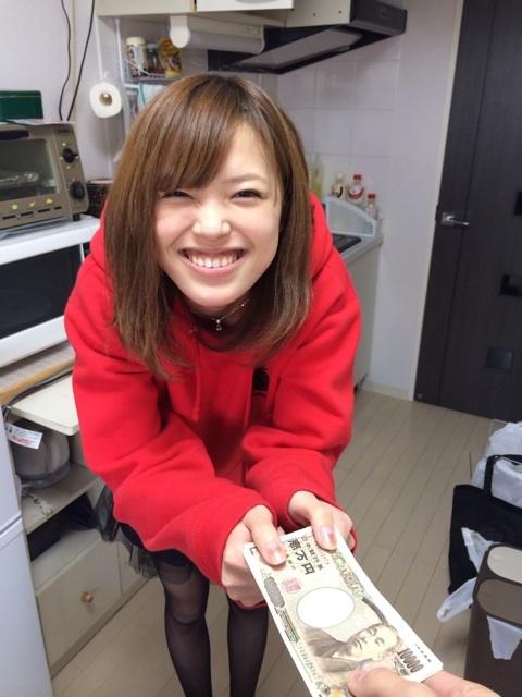 子どもの携帯代が高いと、私は100万円高1娘に投げました