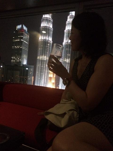 強制送還されるところでした。シンガポール